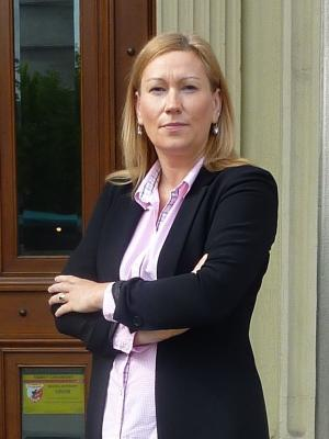 agent Justyna Hoffmann
