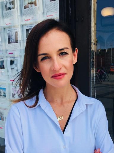 Świat Nieruchomości - agent Justyna Białek